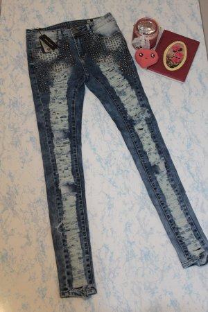 coole destroyed jeans hose mit rissen und nieten gr. 36 NEU
