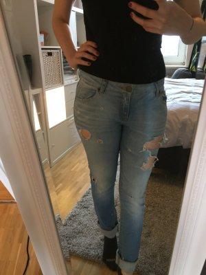 Coole, helle Jeans mit Cutouts, Zara, Gr. 36