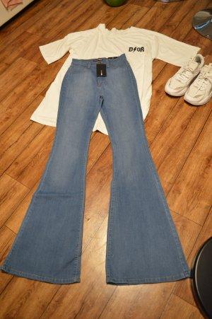 Coole High Waist Schlag Jeans Gr. 36 von Fashion Nova
