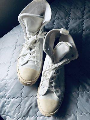 Coole Hightop Sneaker von Zara
