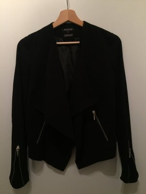 Coole Jacke mit Reißverschlüssen