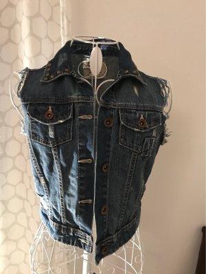 Coole Jeansweste Zara mit Niete