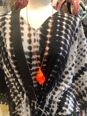Collar de conchas naranja-naranja neón