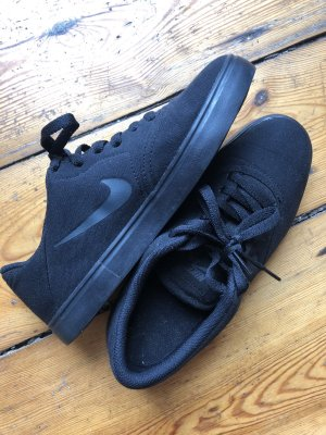Coole NIKE Sneaker