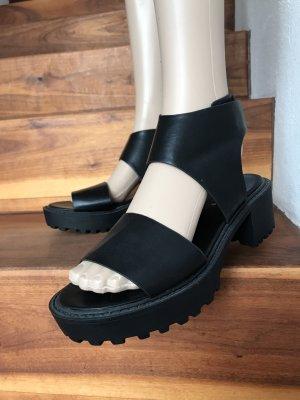 Coole schwarze Sandalen * Neu und ungetragen