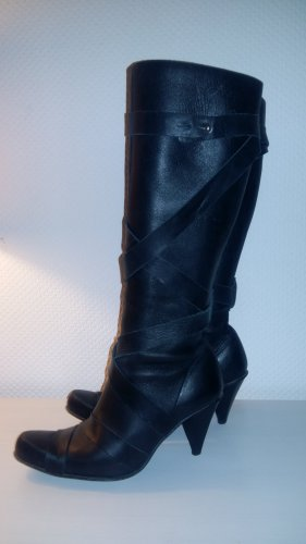 Coole, sexy Stiefel im Used-Look