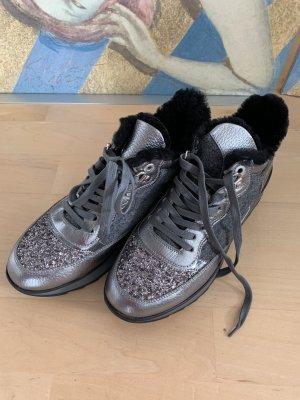 Coole Sneaker*Materialmix*gefüttert+kleines Plateau*ungetragen