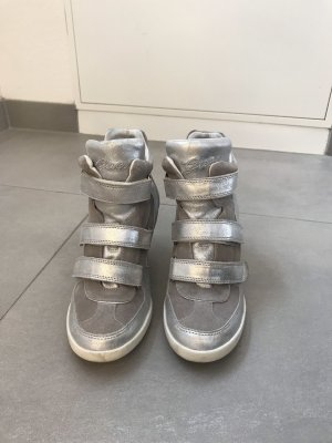 Coole Sneakerwedges von Guess