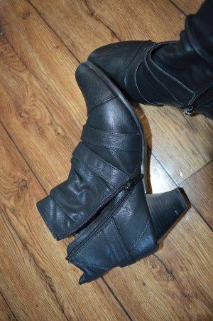 Claudia Ghazzani Zipper Booties black-silver-colored