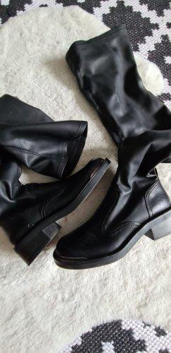 Zara Obcasy na platformie czarny