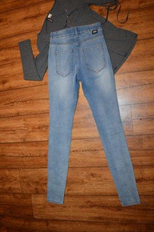 Coole strechige Dr. Denim Lexy Jeans 34