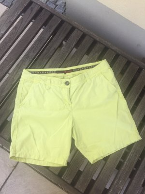 Coole TomTailor-Shorts in gelb