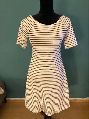 Cooles Kleid