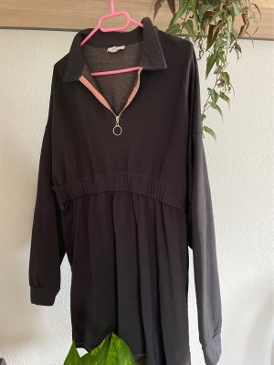 Cooles kurzes Kleid