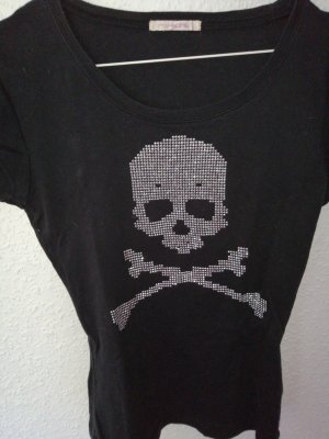 Cooles shirt mit Totenkopf Muster