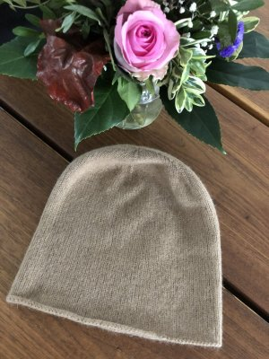COS Knitted Hat camel-beige