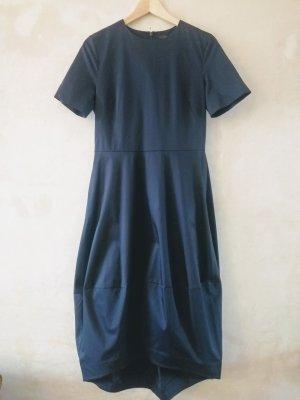 COS Robe à manches courtes bleu foncé