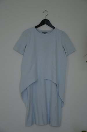 COS Kleid - hellblaues T-Shirtkleid in Layering -Look