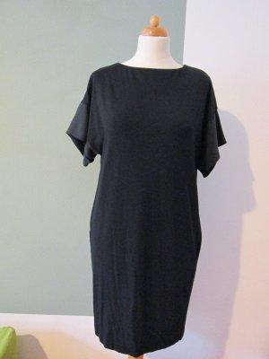 COS Vestido de tela de jersey negro