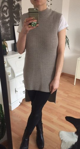 COS Długi sweter bez rękawów beżowy-jasnobeżowy Wełna