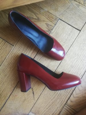 cos rote pumps