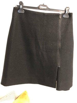 COS - Schwarzer Rock - 100% Wolle