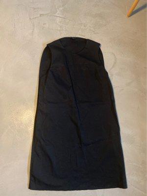 Cos / Schwarzes Kleid