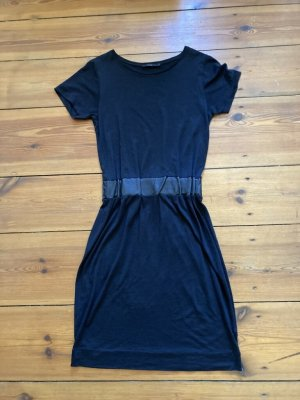 COS: schwarzes Kleid, Lederbund, schlicht, kurz, knielang, Kurzarm, Rundhals, Gr.34/ xs