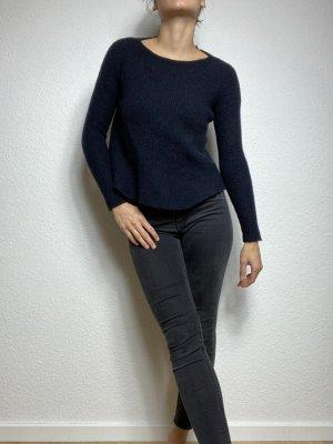 COS Maglione di lana blu scuro