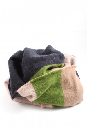 COS Woolen Scarf check pattern casual look