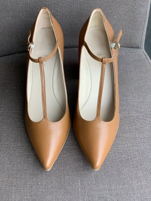 couture T-Strap Pumps cognac-coloured