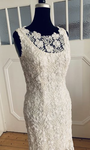 Couture Spitzenkleid Brautkleid Perlen und Pailletten bestickt