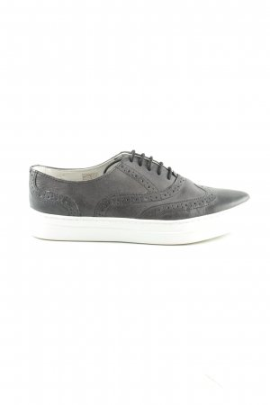 Cox Wingtip Shoes black-white casual look