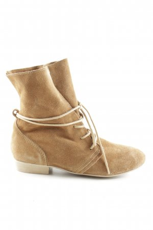 Cox Lace-up Booties brown casual look