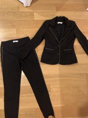 Cream Traje de pantalón negro-color oro