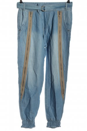 Cream Baggy Jeans blue casual look