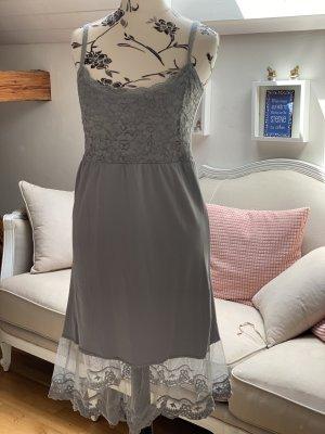 Cream Kleid, Zweitilig mit Unterrock