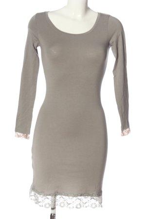 Cream Vestido de manga larga gris claro elegante