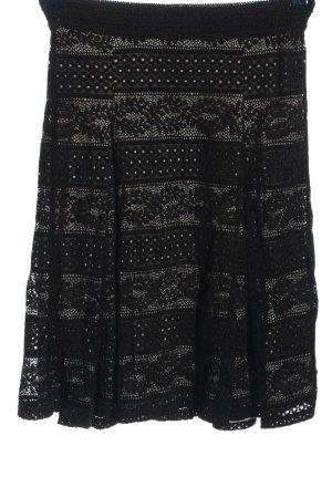 Cream Falda de encaje negro look casual