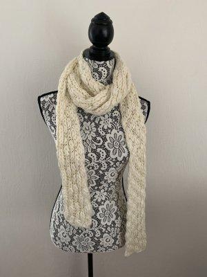 Cremefarbener langer Schal