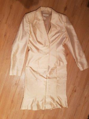 Cremefarbenes Kostüm Gr. 36