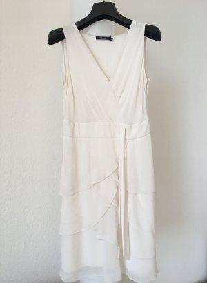 Cremefarbenes Sommerkleid
