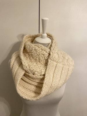 Abercrombie & Fitch Tube Scarf cream