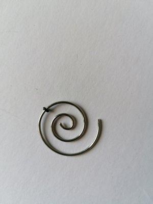 Orecchino a cerchio nero-argento