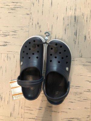 Crocs Pantofle ciemnoniebieski