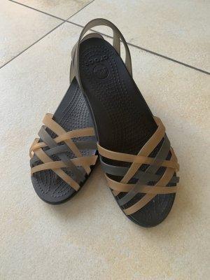 Crocs Sandały plażowe czarny-piaskowy brąz
