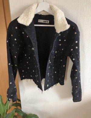 Cropped Jeansjacke mit Sternen von Topshop