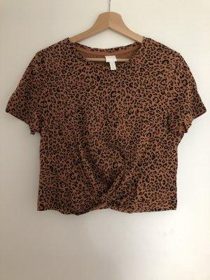 Cropped Leo Shirt