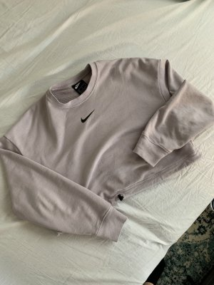 Cropped Nike sweater