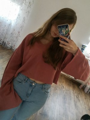 Cropped Vneck oversized sweater